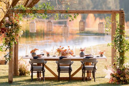 The bride and groom's dining table at a Greenhorn Ranch wedding