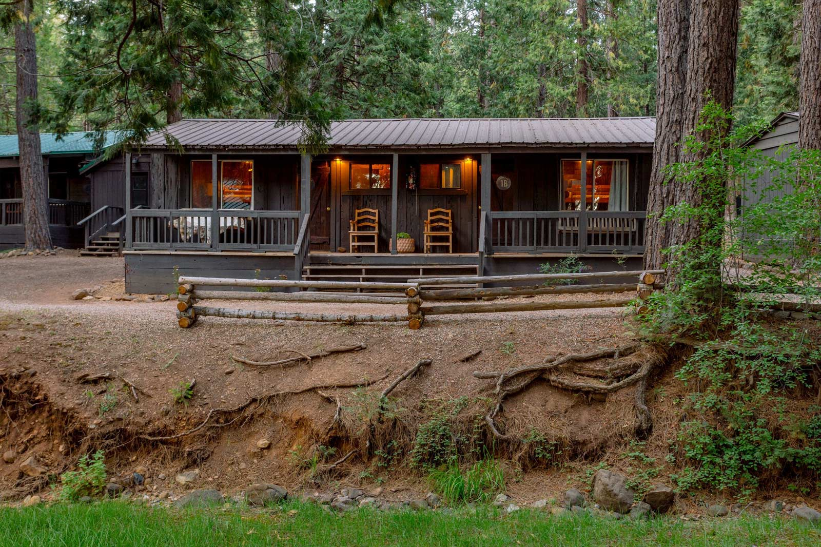 image of creekside suite exterior.